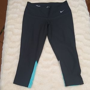 Nike Dri Fit cropped legging small